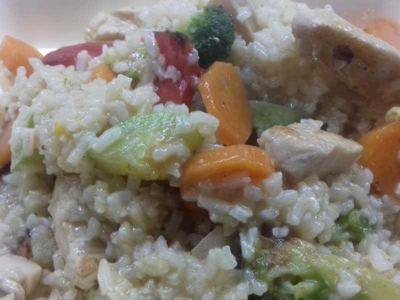 Rižoto sa piletinom i svežim povrćem dostava