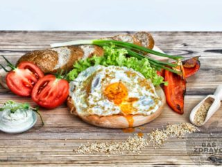 Sandwich with paprika and eggs delivery