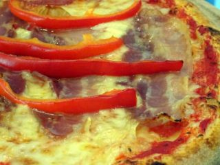 Simple two pizza dostava