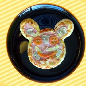 Kids pizza Mickey Mouse delivery