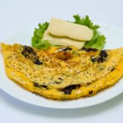 Chia omelet with cheese