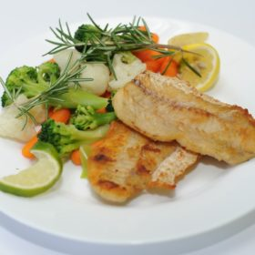 Hake fillet with vegetables delivery