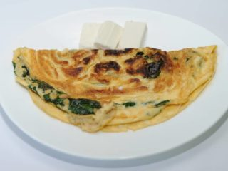 Omelet with spinach and goat cheese delivery