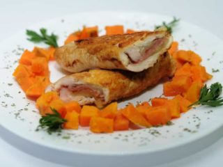 Stuffed chicken with prosciutto and mozzarella delivery