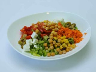 Salad with chick-pea delivery