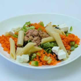 Salad with tuna I pasta delivery