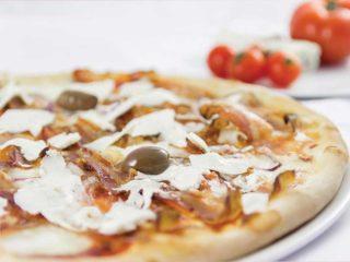 Pizza Formaggio duro di capra Pomodoro dostava