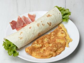 Omelet with prosciutto in tortilla dostava