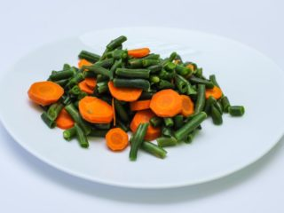 Green beans with carrot delivery