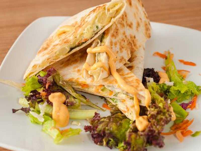 Quesadilla sendvič – Pileća salata dostava