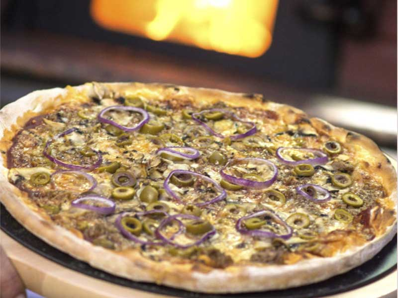 Tuna pizza delivery