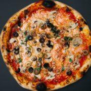 Funghi e olive classic pizza