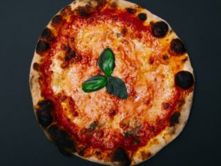 Margherita classic pizza delivery