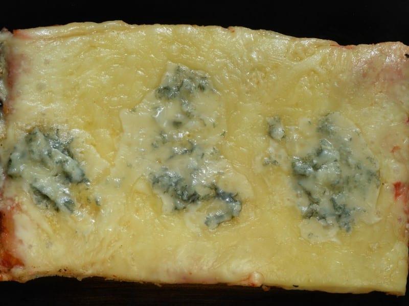 Quattro formaggi dostava