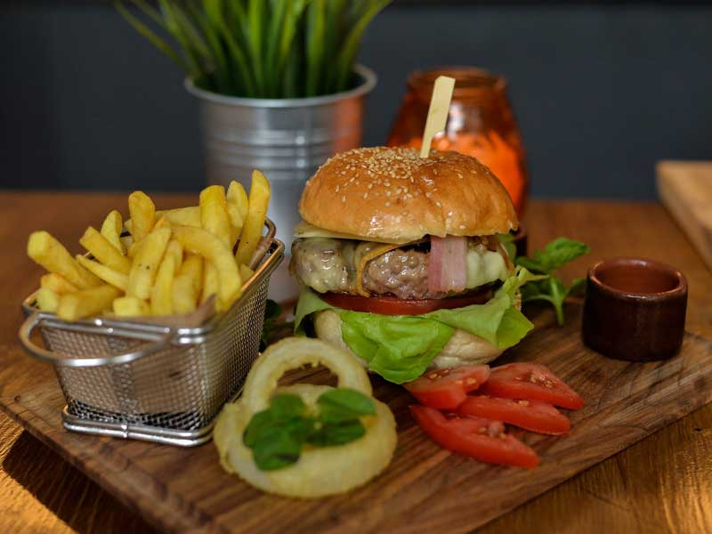 Craft Complet Burger + pomfrit dostava