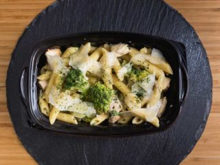 Penne with chicken and broccoli in basil and parmesan sauce delivery
