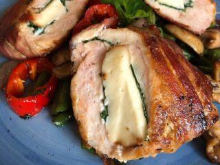 Punjena piletina sa dimljenim sirom i spanaćem dostava