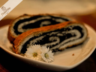 Poppy seeds strudel delivery