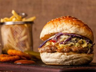 Chicken curry burger dostava