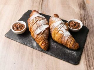 French croissants Baza Lounge Bar dostava