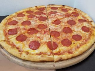 Pepperoni pizza Verona Cut delivery