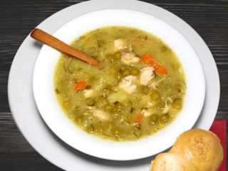 Green peas broth with chicken dostava