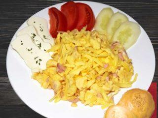 Breakfast ''Salas 011'' Salaš 011 delivery