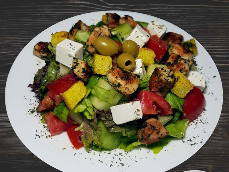 Grčka salata obrok sa piletinom dostava