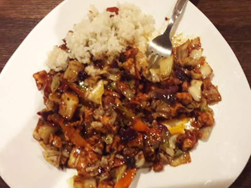Piletina sa povrćem u ljutom sečuan sosu dostava