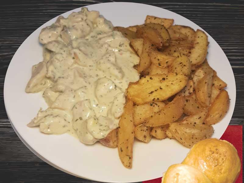 Piletina u sosu od pečuraka, salaški krompir dostava
