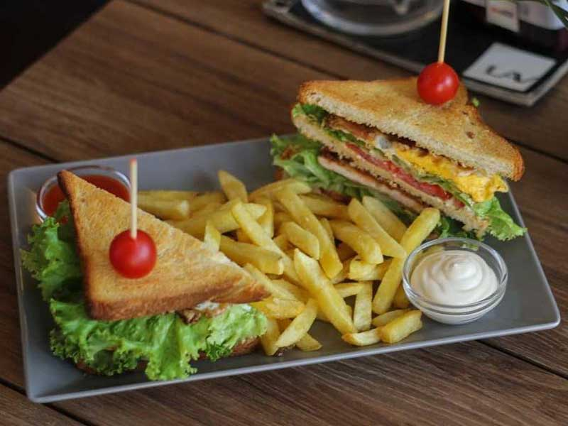 Club sandwich delivery