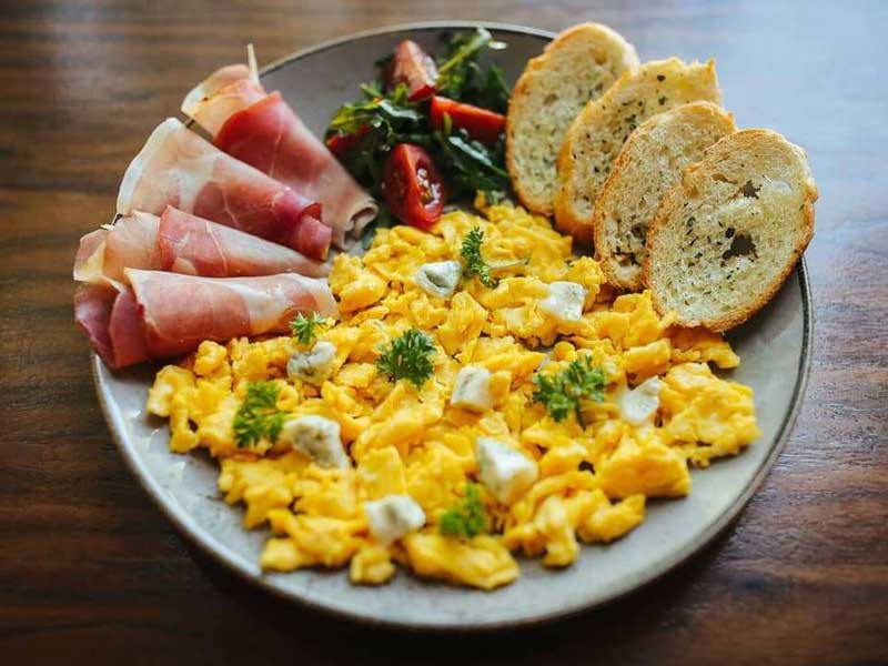 France scrambled eggs delivery