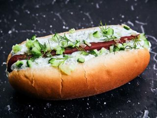 Tzatziki Hot Dog Take a Senfie dostava