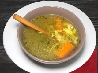 Chicken soup with noodles dostava