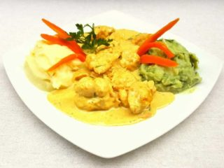 Chicken meatballs in curry sauce with side dish delivery