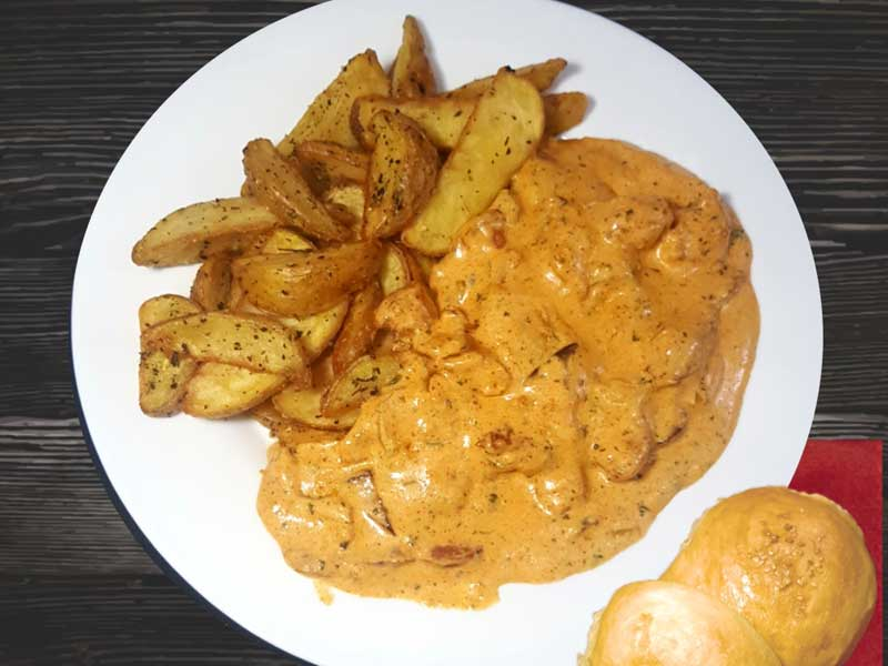 Piletina u kulen sosu sa salaškim krompirom dostava