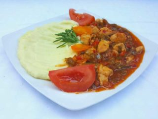 Muckalica with chicken meat with side dish delivery
