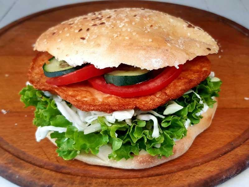Chicken pljeskavica sandwich delivery