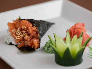 Salmon tartar hand roll delivery