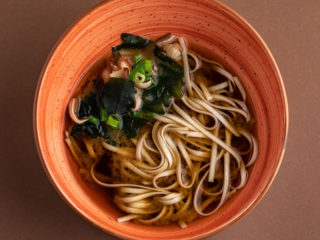 Miso soup with udon noodles dostava