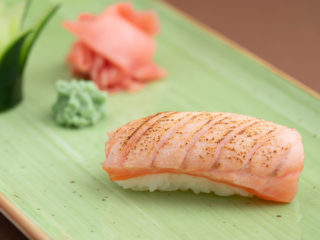 Nigiri burned salmon dostava