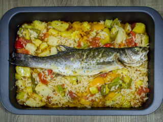 Gilthead with vegetables delivery