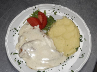 Chicken in gorgonzola sauce delivery