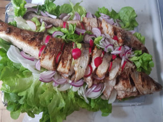 Fresh sea bass on grill dostava