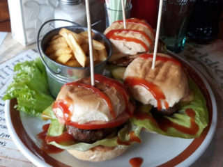 Triple mini burger Gregor's Pub dostava