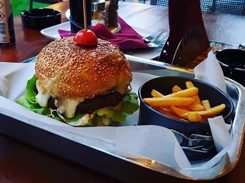 Triplecheese burger dostava