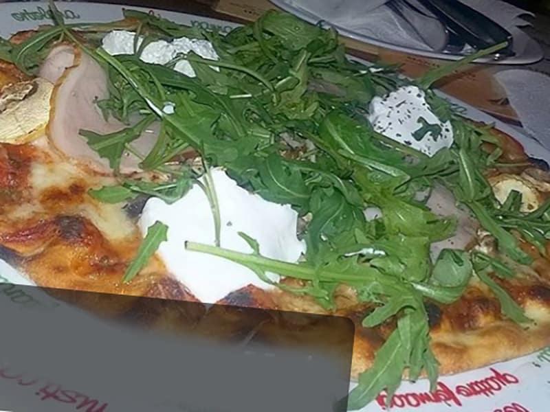 Rukola specijal pica dostava