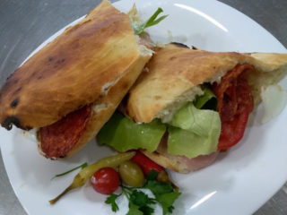 Leonardo sandwich delivery