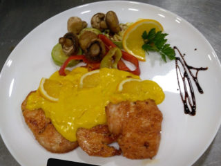 Chicken fillet in orange sauce dostava