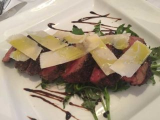 Beefsteak tagliata in pepper crust delivery